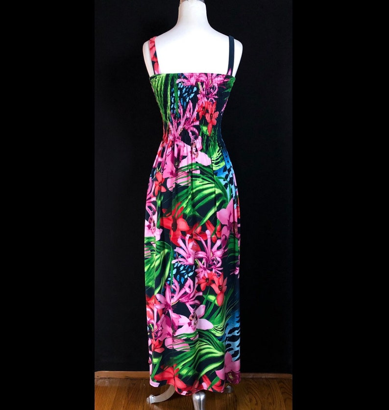 Size Small Black with Beautiful Vibrant Graphics Gorgeous Tropical Maxi Hawaiian Dress
