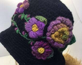 Cappello da donna a cloche con fiori e ricami 03f66ce37ebd