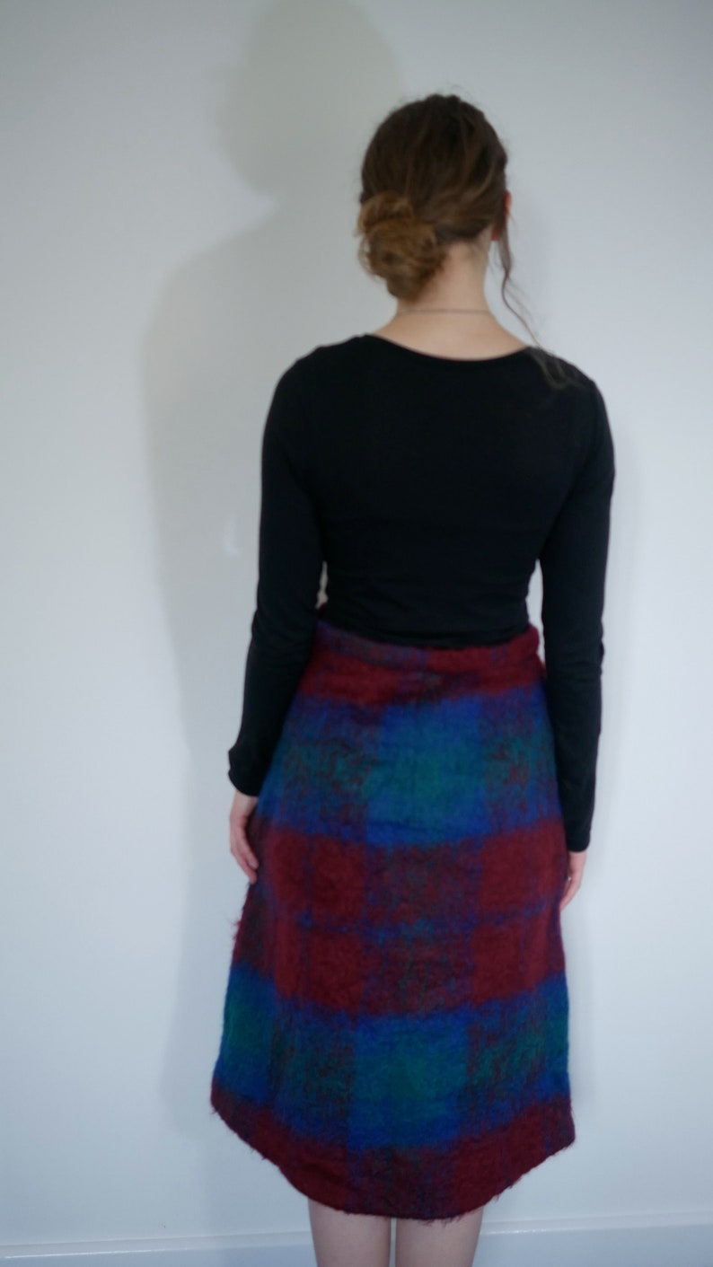 blue and green felted tartan pattern mid length warm thick material Vintage woollen skirt red
