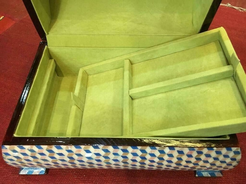 Egyptian Handmade Curving Wood Jewelry Box Inlaid Mother of Pearl 11.8x8.8