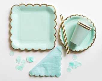 16 Candles Party Box: large plates, small plates, cups, napkins, straws, confetti