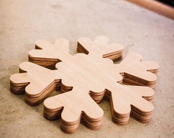 Under the plate, decorative wooden flake tray - SNOWFALL