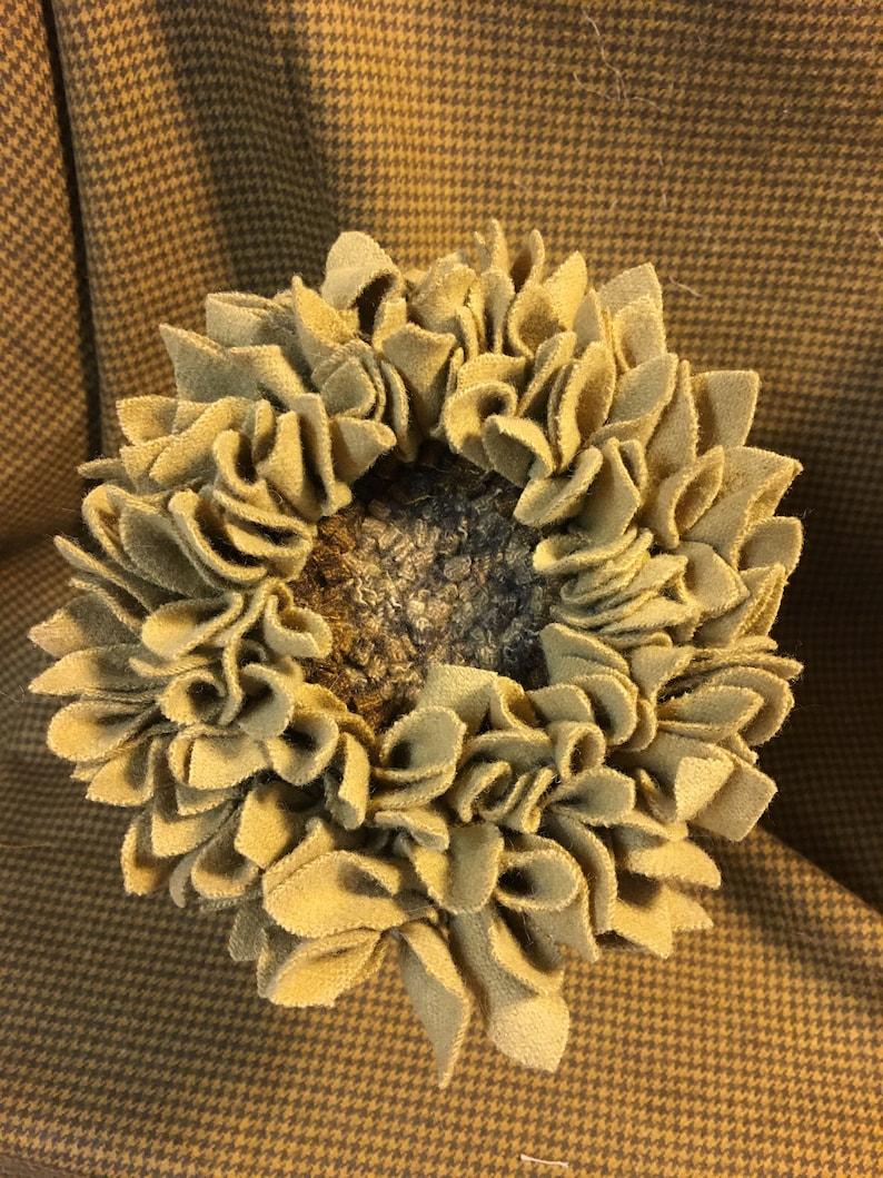 Rug Hooked Wool Flower on Spring