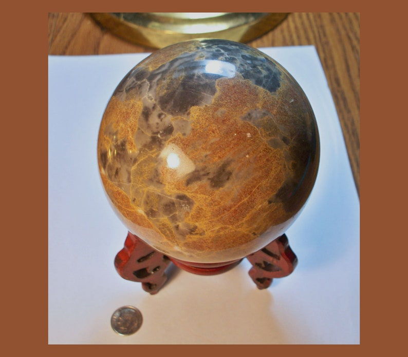 Natural Material \u2013 Made In Hong Kong \u2013 New Old Stock \u2013 Vintage CONTINENTAL JASPER SPHERE With Wooden Stand