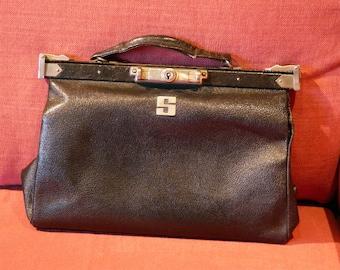 6958389097 Vintage Gladstone style bag. 1940's. Black leather.