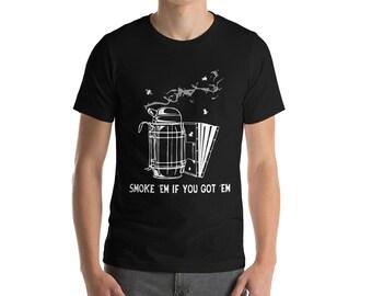 BellavanceInk: Smoke'Em If You Got Them Beekeeping Short Sleeve T-Shirt