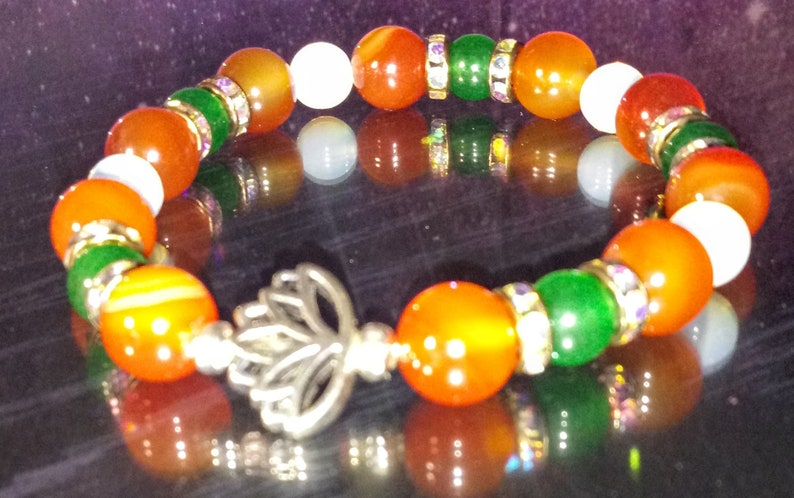 body and spirit when tuned into your chakras frequency. Beautifully hand crafted  power crystal gemstone bracelets enhances healing in mind