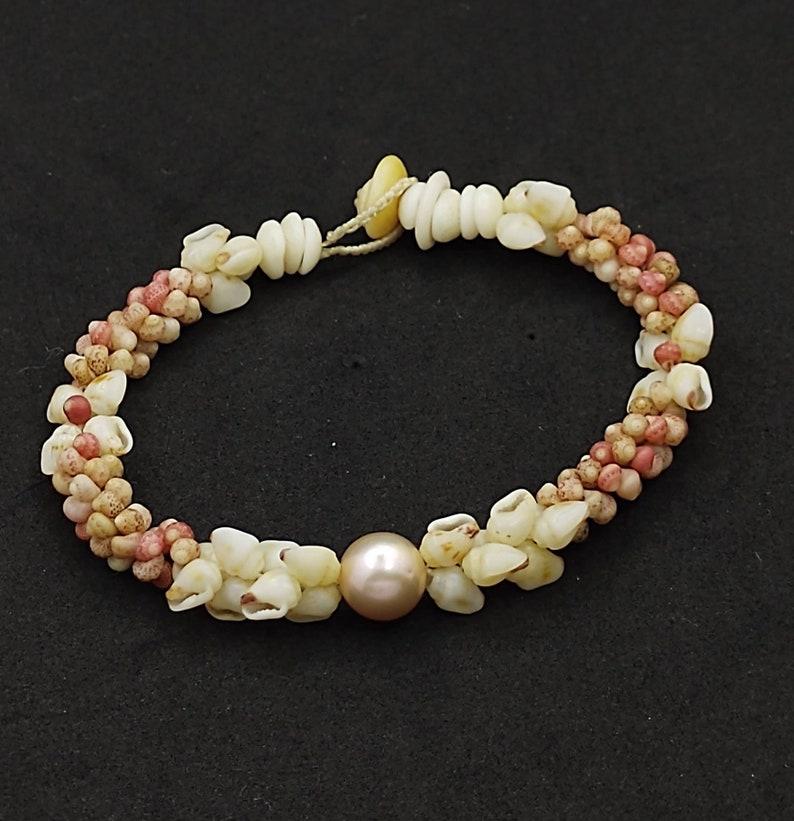 Hawaiian Kahelelani shell bracelet with Edison pearl /& Momi shells 7.5in