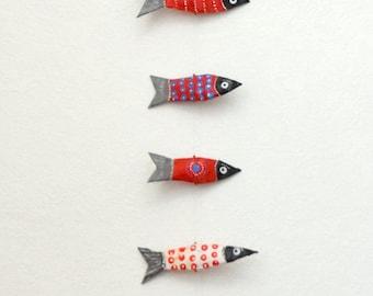 Garland with 15 mini red sardines