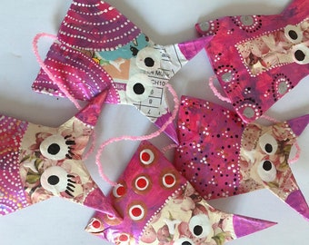 Garland of 5 pink owls