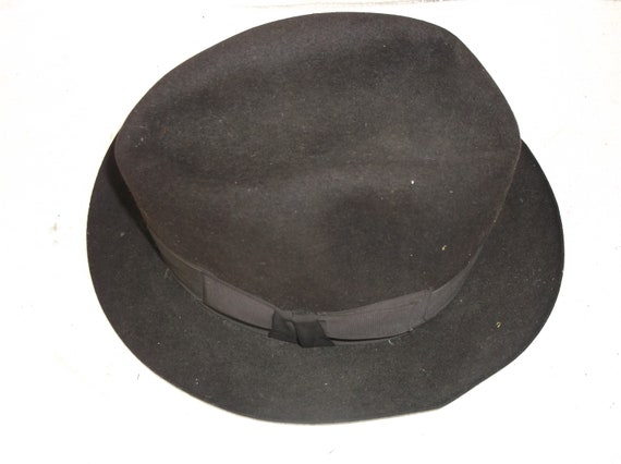 Vintage trilby style gents hat