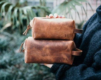 groomsmen gift leather