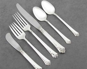 Damask Rose by Oneida Sterling Silver Sugar Spoon with Scalloped Edge 6