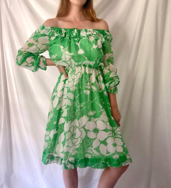 70s Green Floral Print Dress | Ruffle Collar & Poe
