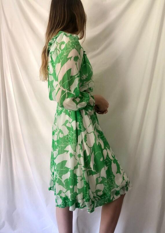70s Green Floral Print Dress | Ruffle Collar & Po… - image 6