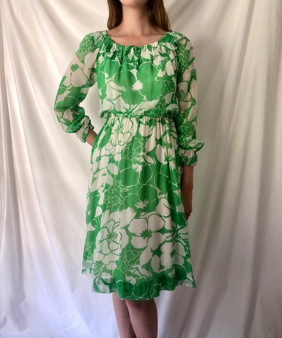 70s Green Floral Print Dress | Ruffle Collar & Po… - image 2