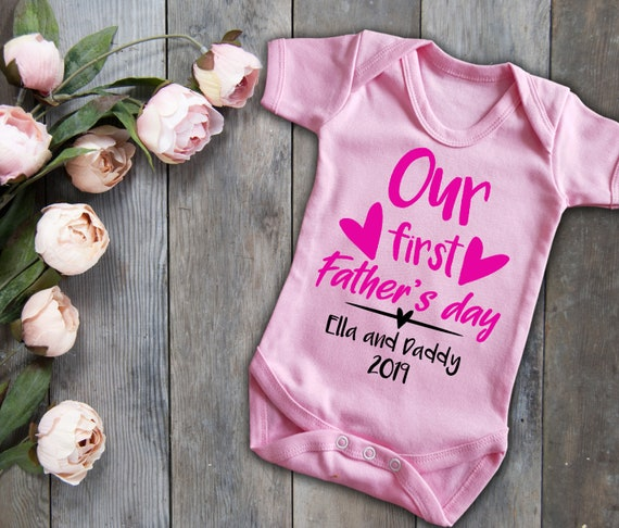 bodysuit Our first father/'s day white baby grow vest with glitter text