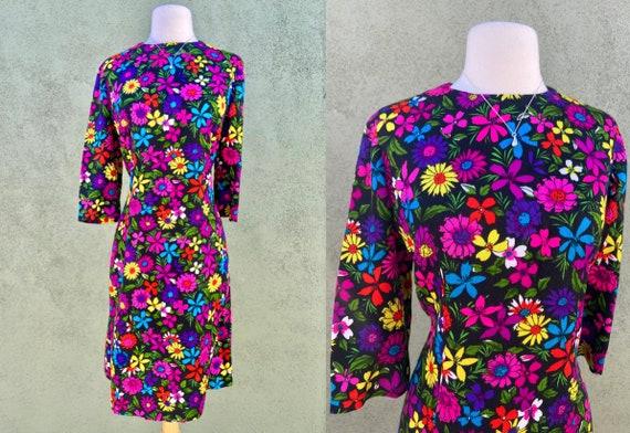 Vintage 1960s Flower Print Fit And Flare 3/4 Sleev