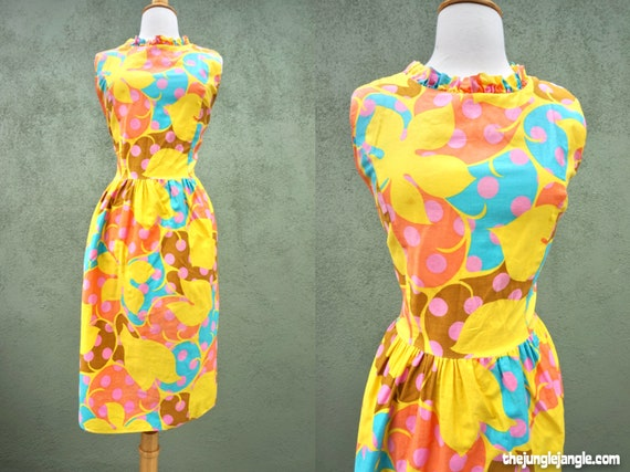 Vintage 1960s Flowers And Polka Dots Mid Sleeveles