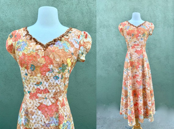 Vintage 1960s Shortsleeved Peach Floral Dress With