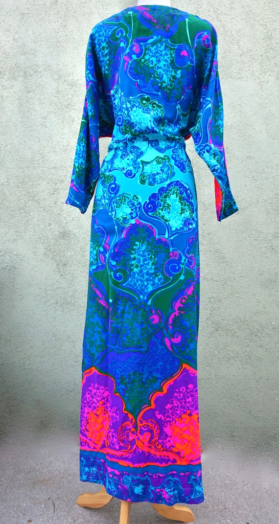 Vintage 1960s Psychedelic Long Sleeve Maxi Dress … - image 3
