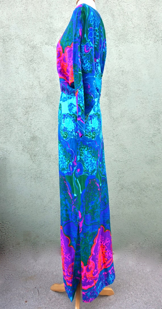 Vintage 1960s Psychedelic Long Sleeve Maxi Dress … - image 6