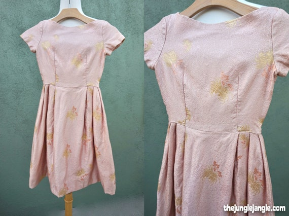 Vintage 1950s Silk Asian Motif Dress For Juniors /