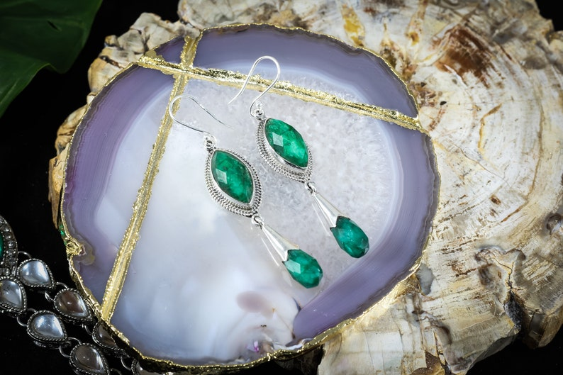 Dyed Emerald gemstone earrings 925 sterling silver jewellery for womens /& girls,handmade jewellery,Christmas gift,Valentine/'s Day gift