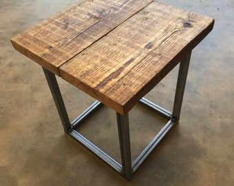 Incroyable Hand Made Recycled Rustic Side Table