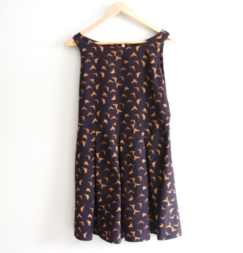 Navy skater dress printed in birds Clothing for her Swallow Print Romantic dress Navy mini dress short dress Casual dress