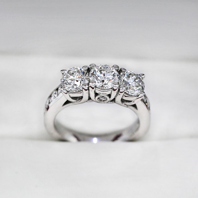 Three Stone Ring Wedding Gift Moissanite Engagement Ring Sterling Silver Ring 2.55 Ct 3 Stone Moissanite Ring Wedding Ring Wife Gift