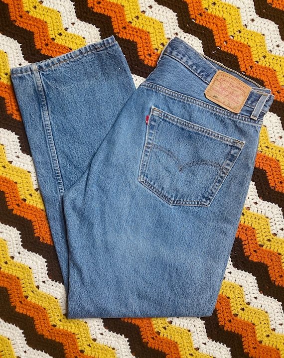 Vintage 80s Levis 501 Jeans / Button Up Fly / 38x3
