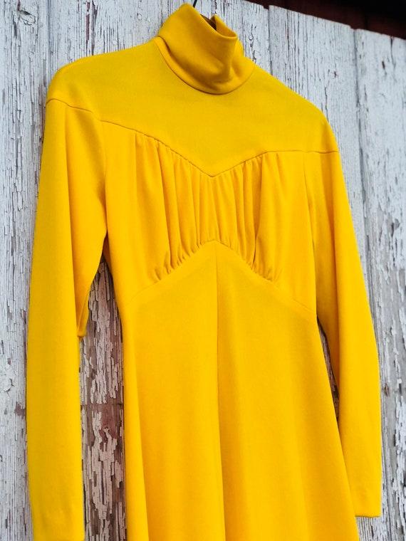 Vintage 70s Long Dress   Yellow