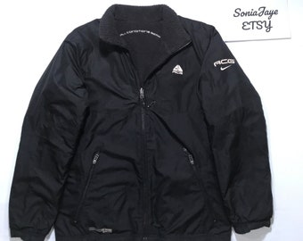 3849e84aec43 Vintage Nike ACG Reversible Sherpa Jacket - Mens S M