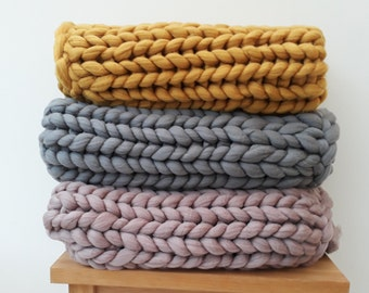 Chunky Knit Acrylic Blankets, Hand Made to Order, Various Colours  Giant Knit Throw, 100% Vegan