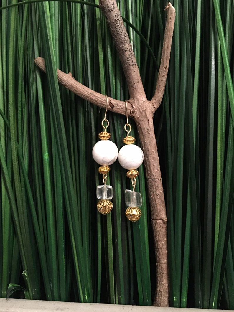 355 White Howlite /& Gold Drop Earrings with Circular TuscanVintage Chandelier Drop Crystals.