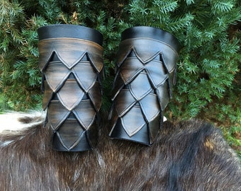 Fantastic leather armbands - dragon scale - medieval - Viking - GN/LARP - Cosplay - cuff - arm cannon - force bracelet - warrior