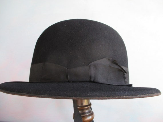Edwardian ladies felt hat. Downton abbey hat. Blac