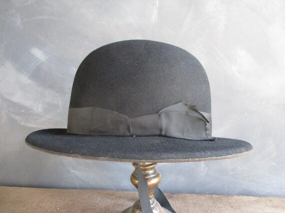 Edwardian ladies felt hat. Downton abbey hat. Blac