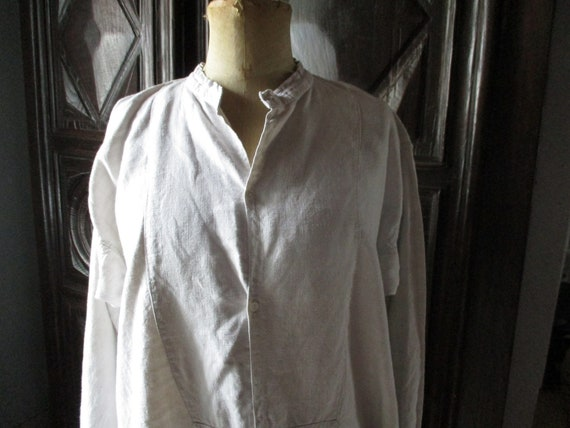 Mens antique shirt.  1800s linen shirt. Costume. V