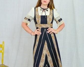 Prairie dress Vintage 80's Cotton dress black beige embroidered kaftan short sleeve tied waist M Medium