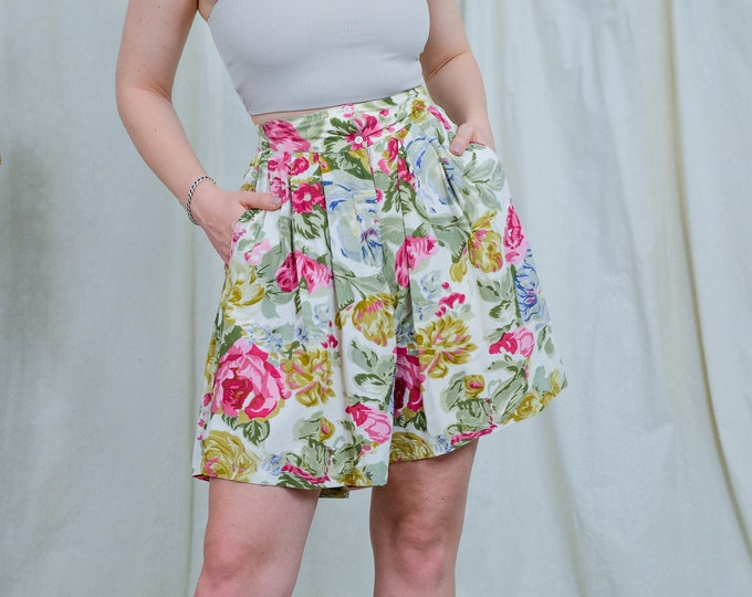 Featured listing image: Floral shorts super high waist printed vintage hippie woman summer pants pleated relaxed fit S/M