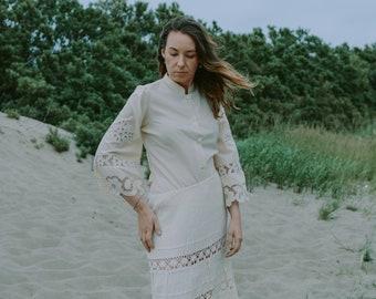 Lace shirt beige blouse hippie women minimalism 3/4 bell shaped sleeve button up down ethinc top M/L