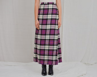 The Tartan Gift Shop skirt vintage 90s wrap high waist scottish checkered classic woman pure new wool S Small