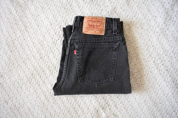 vintage black wash high waist 550 Levis mom jeans