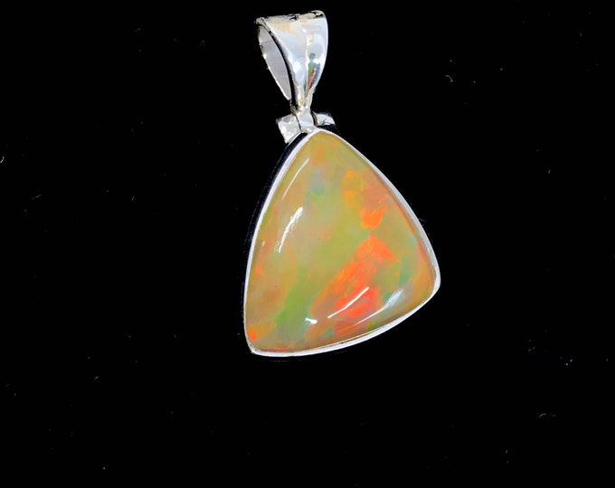High quality Ethiopian opal silver pendant fine jewelry opal pendant freeform pendant opal stone meaning of opal,opal healing,opal stone.