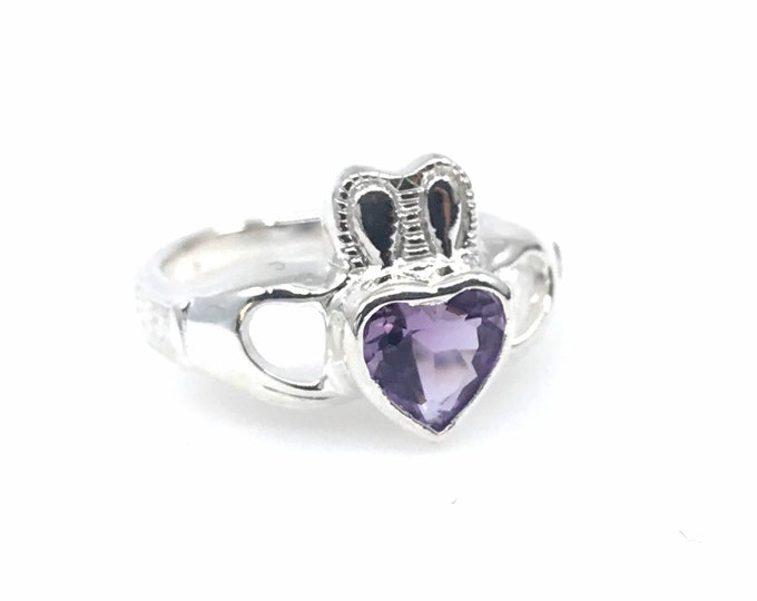 Amethyst heart size 6 silver ring  purple ring  crystal jewelry  amethyst ring  amethyst jewelry  amethyst love, amethyst gift, crystal gift