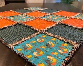 Labrador Retrievers gift, Designer fabric Rag quilt table topper, Dog mom gift, lap quilt, mini quilt
