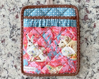 Handmade oven mitt Pot Holder card gift set, Handmade in USA, Bunny, Fox, Deer, Floral, Insulated, heat resistant, Quilted with pocket