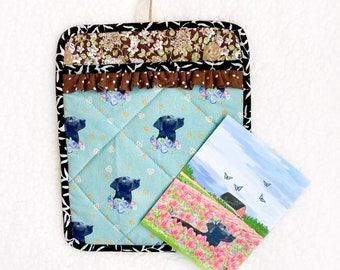 Oven mitt Pot Holder card gift set, Handmade in USA, Black Lab, Insulated pot holder, heat resistant, Quilted with pocket